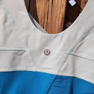 Lululemon size 6 athletic top 2 tone blue